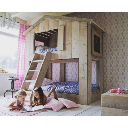 Treehouse Bed THUIS